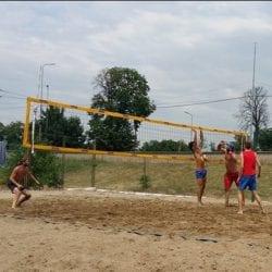 640 de tone de nisip pentru noile terenuri de volei pe plajă din Arad!