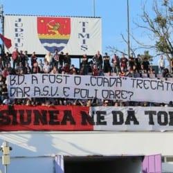 Derby-ul fanilor, cu de toate: Bătăi, scandări și bannere ironice, însă sărbătoarea s-a mutat în Curva Sud
