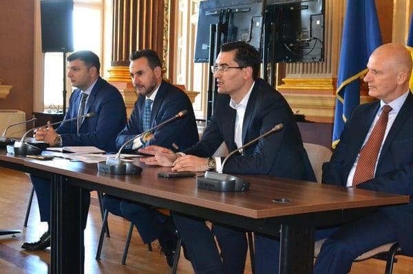 Burleanu l-a convins pe Falcă să investească și în fotbalul feminin! Primarul Aradului vrea să inaugureze noul stadion prin meciuri ale juniorilor din județ