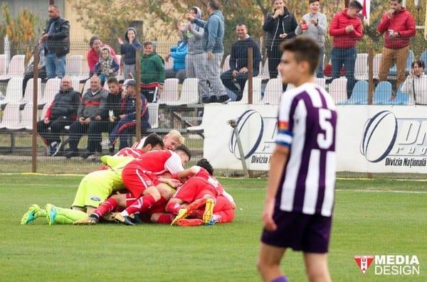 Juniorii lui Gaica au răzbunat prima echipă: Au bătut-o pe Poli la scor de neprezentare! UTA Under 19 s-a distrat și ea la Turda