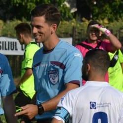 Meciurile și arbitrii rundei finale a turului Ligii a IV-a la fotbal: Ardelean fluieră ultimul derby al toamnei