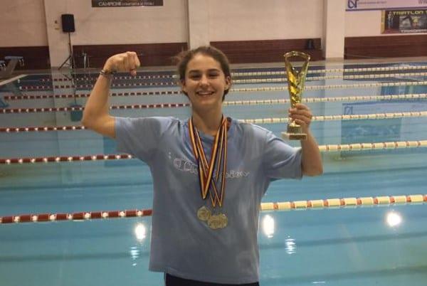 Arădeanca Alexia Bășcărău, medaliată cu bronz la Campionatul Țarilor Central Europene la Natație
