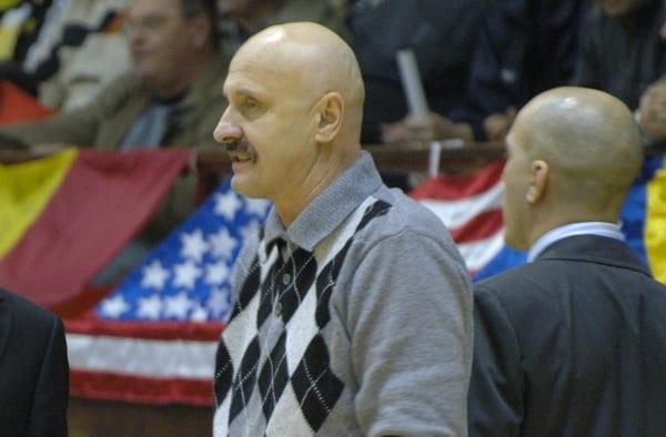 """Profesorul Dan Moraru, despre problemele sportului și baschetului românesc: """"Legislația s-a înrăutățit de la an la an, ne vom bălăci într-o mediocritate totală"""""""