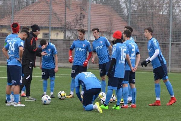 """UTA a deplasat 25 de fotbaliști la Moneasa, dintre care 16 sunt juniori: """"Să folosească fiecare ocazie pentru a juca pentru acest club!"""""""
