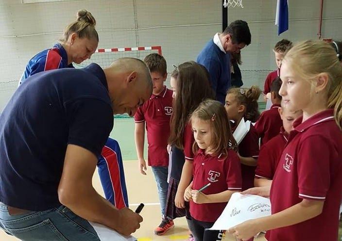 "Mihai Leu - de la Raliul Aradului, printre elevii de la ""Peda"""