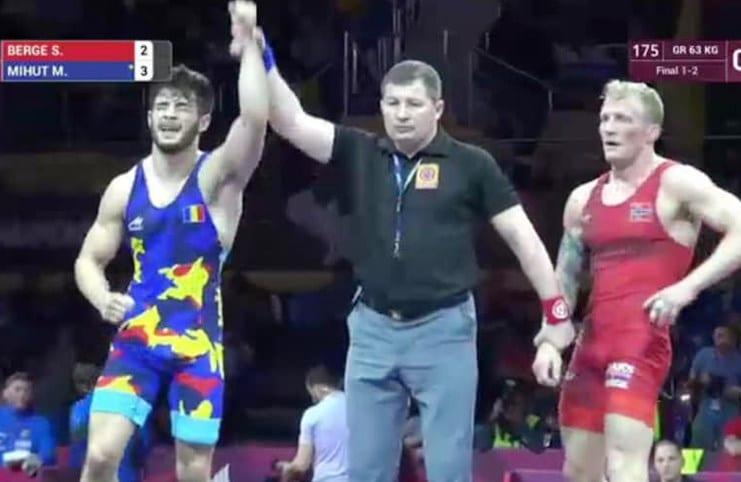 """Luptele arădene aduc primul """"aur"""" european pentru România după 11 ani! Mihuț a bătut un medaliat olimpic în finală"""