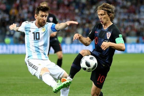"""""""Cocoșii"""" vor cânta și în optimile Mondialelor, """"pumele"""" lui Messi își pot face bagajele pentru...concedii"""