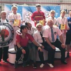 """Ghiorocanele Szabo și Abuzătoaie - aur la """"naționalele"""" Under 13 la judo, un bronz și pentru Unirea Sântana"""