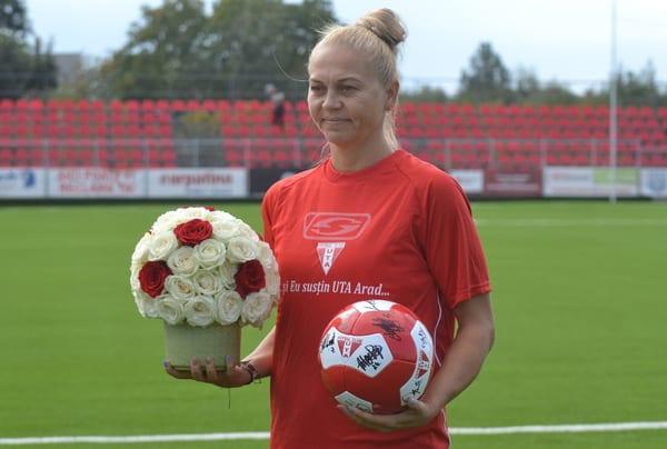 """Flori și aplauze pentru Monika Brosovszky din partea familiei UTA: """"Emoționată și onorată!"""""""