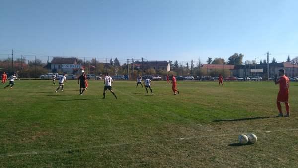 Livetext + FOTO: UTA învinge 5-0 la Beliu în amicalul cu echipa locală, partidă cu care s-a inaugurat noul stadion din comună