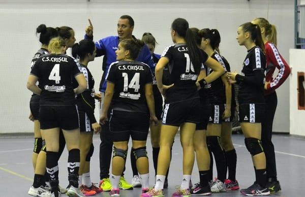 Calificare pe muchie de cuțit în 16-imile Cupei României: ACS Szekelyudvarhelyi Noi Kezilabda Klub - Crișul Chișineu Criș 24-27