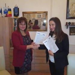 """Multipla campioană europeană Cristina Vărzaru, prezentă la Arad din partea FRH pentru a semna un protocol cu Universitatea """"Aurel Vlaicu"""""""