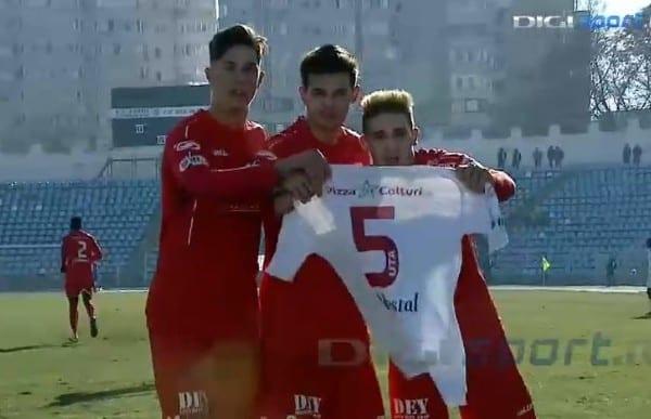 Utiștii i-au dedicat lui Manea golul de la Constanța, fundașul s-a operat ieri, la Timișoara