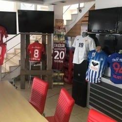 12 tricouri celebre au fost vândute în scop caritabil la ultimul turneu al anului 2018 la Desavoia, câștigat de UTA