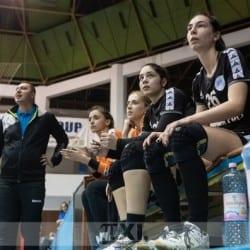 Pentru handbalistele Crișului, victoria calificării matematice la turneul semifinal poate veni odată cu vizita lui CSU Oradea