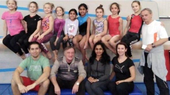 O indiancă - în pregătiri cu gimnastele CSM-ului