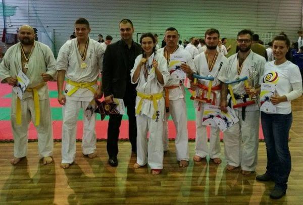 CS Combat Team Arad a strălucit la Cupa României la karate kyokushin