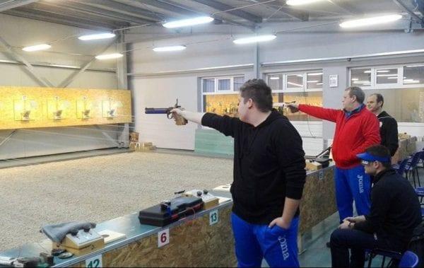Trăgătorii de la CSM Arad au pregătit asaltul la medaliile naționale: Recorduri personale pentru Gheocel și Haristiade