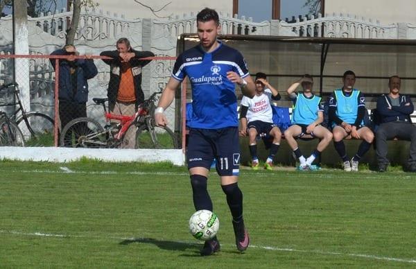 Meci decis după un sfert de oră, Jichici candidează la golul sezonului: Cetate Săvîrșin – Crișul Chișineu Criș  2-6