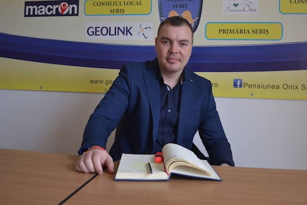 """Cojocaru garantează pentru Chița: """"Am adus un antrenor profesionist pentru performanța așteptată de orașul Sebiș"""""""
