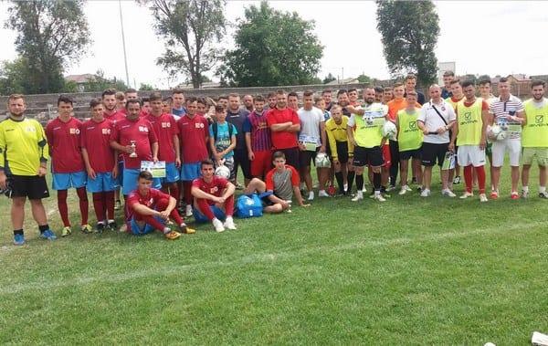 S-a jucat mini-fotbal de Zilele Orașului Sântana! Pablito a câștigat trofeul, după o finală cu Zărandul