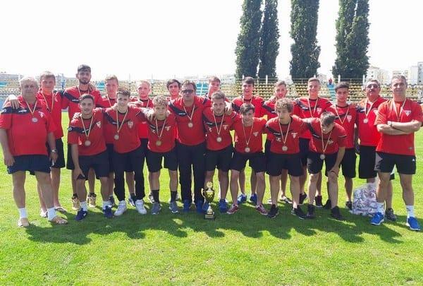 UTA Under 19 și-a bătut în cuie lotul de cantonament după amicalul de 7 goluri cu Mailatul. Ungur – în staff, alături de Bogoșel, Petcuț și Țamboi