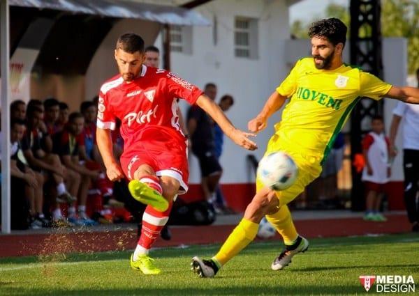"""Adili, mustrat de Mihalcea: """"E mult mai ofensiv decât defensiv din postura de fundaș"""""""