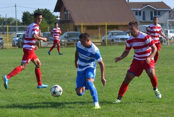 """Juniorii """"alb-roșilor"""" au decis repetiția pentru primul derby arădean pe puncte: Lipova – Cermei 0-2"""