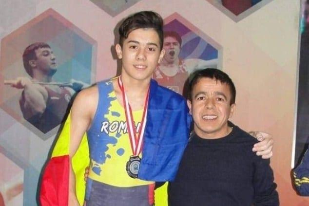 """Medalii și la """"naționalele"""" de tineret pentru halterofilii CSM-ului"""