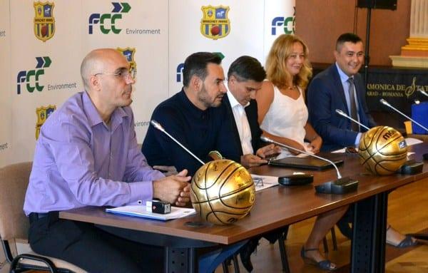 """FCC ICIM Arad vrea o clasare în """"careul de ași"""" în noua stagiune! Noul sponsor principal al baschetbalistelor – implicat și într-o întrecere de Streetball"""