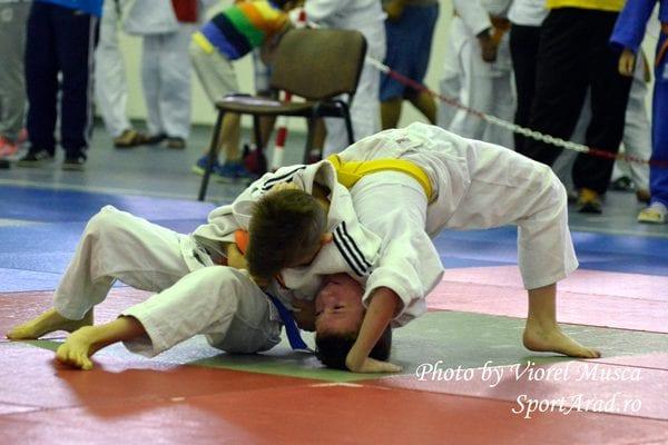 """Cupa Aradului la judo își consumă mâine a 15-a ediție: """"Turneu puternic, cu sportivi din țară și străinătate"""""""