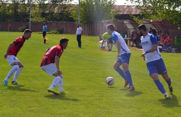 Liga IV-a Arad, etapa a 24-a: Crișul câștigă și derby-ul orgoliilor cu Socodorul, Curticiul și Mailatul își continuă seria de victorii