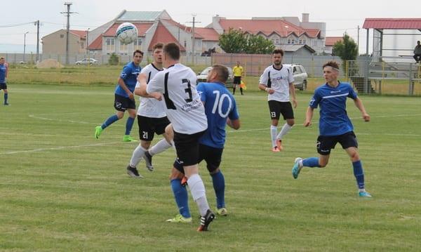 Formația din Podgorie rămâne în picioare în fața vecinilor: CS Glogovăț – Păulișana Păuliș  0-0