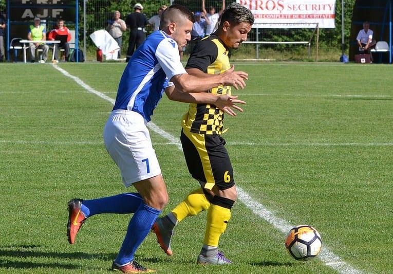 """Crișul și-a luat """"închizător"""" de la adversarul de la baraj: Stegaru revine în fotbalul arădean după experiența la Sebiș"""