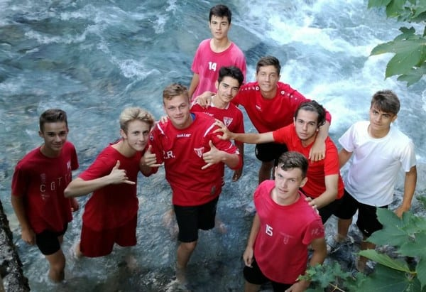 Juniorii UTA-ei pregătesc noua stagiune la Mallnitz