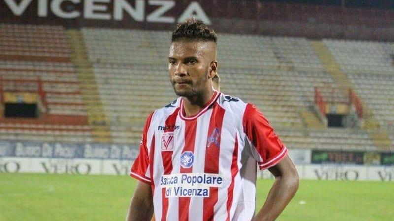 Popa s-a oprit la El Hasni pentru completarea defensivei, însă e greu de crezut că tunisianul va putea debuta sâmbătă