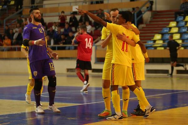 """Futsal: România – Albania 3-1, în primul amical de la Polivalenta arădeană. """"Returul"""" se joacă mâine, la ora 12"""