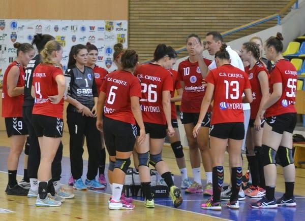 Debut în forță pentru handbalistele lui Tudor: CSU Oradea – Crișul Chișineu Criș  25-33