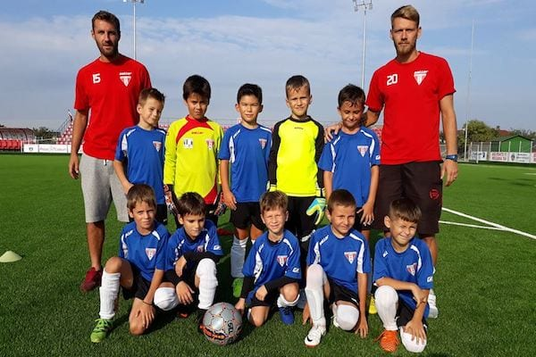 """UTA și-a adjudecat Cupa Aradului la Juniori F: """"Aceste turnee îi ajută pe copii să crească"""""""