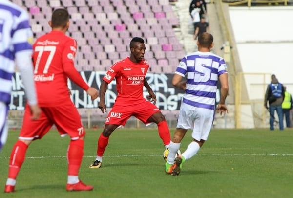 """Coulibaly a jucat aproape perfect în meciul de care toți arădenii i-au vorbit încă din prima sa zi în """"alb-roșu"""": """"Victorie pentru suporterii decedați!"""""""