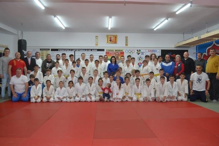 Judoka CSM-ului arădean îşi doresc un cantonament la munte