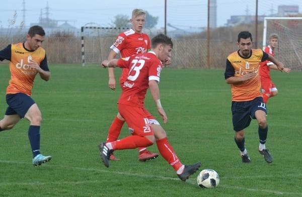 Liga IV-a Arad, etapa 15-a: Pecica termină turul cu zece goluri în poarta Săvârșinului, dar UTA II stabilește recordul de eficiență al weekendului