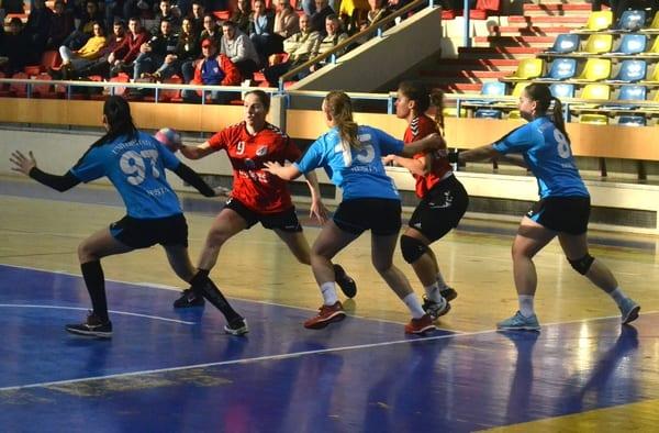 Prezența la turneul semifinal, ca și rezolvată: Crișul Chișineu Criș – CSU Reșița 19-16