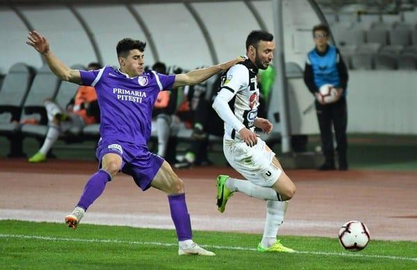 """Liga a II-a, etapa a 26-a: U. Cluj ratează șansa să urce pe primul loc, """"lupii galbeni"""" – jupuiți pe Bega"""
