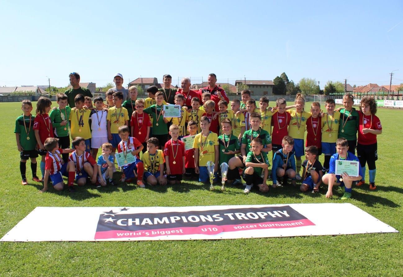 """Sâmbătă, pe """"CPL"""", echipe din trei țări se bat pentru un loc în finala Champions Trophy Under 11"""