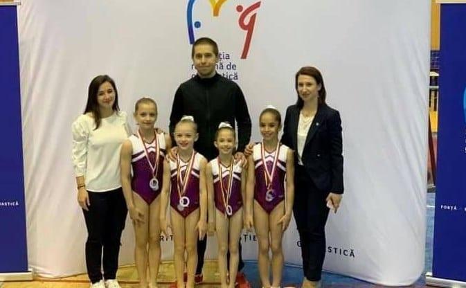 Micile gimnaste de la CSM Arad sunt vicecampioane naționale