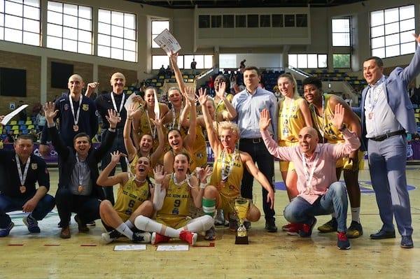 """""""Galben-albastrele"""" sunt din nou medaliate în Liga Națională de Baschet Feminin: FCC ICIM Arad – Olimpia CSU Braşov84-69"""