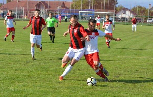 Livetext, ora 18.00: Șoimii Lipova – CSM Reșița 0-2, Național Sebiș – Ghiroda și Giarmata Vii 3-1, finale