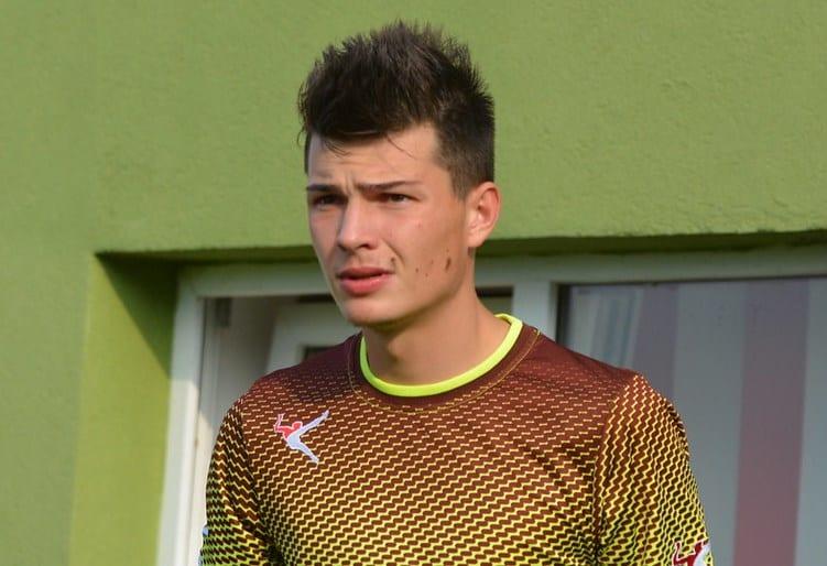 """Juniorul Stănilă a salvat victoria Cermeiului la Hunedoara: """"Știam unde bate Vasinc penalty-urile, am fost colegi la Zăbrani"""""""
