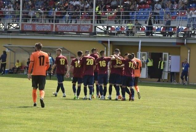 """Bihorenii au făcut ultima repetiție, """"alb-albaștrii"""" sunt încă la faza jocurilor tematice: Luceafărul Oradea – Șoimii Lipova 5-0"""